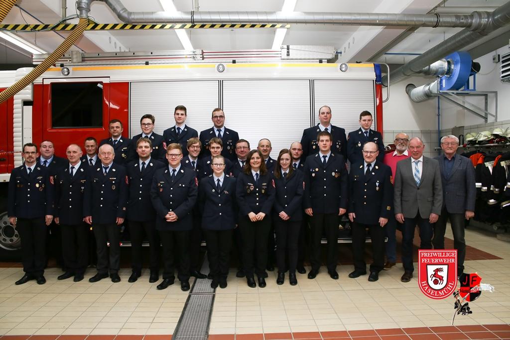 Die Freiwillige Feuerwehr Haselmühl zieht Bilanz. Mit 135 Einsätzen verzeichnet sie ein Rekordeinsatzjahr. Auch im Verein wurde viel gemacht. Zahlreiche Beförderungen wurden auch durchgeführt.